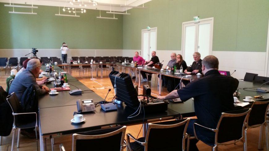 Die meisten Abgeordneten sind nach Kiel gereist, um sich dort mit der Fraktion auszutauschen.
