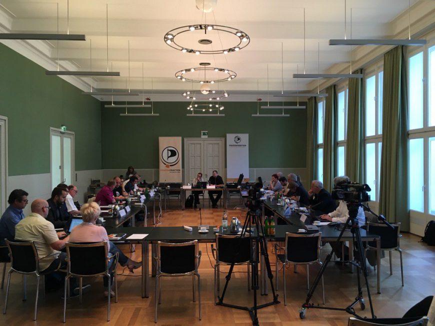 "Unter anderem haben wir auch über unser gemeinsam Projekt ""Digitaler Kompass"" diskutiert (www.digitaler-kompass.de)."
